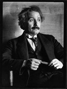 Einstein 1921 by Ferdinand Schmutzer