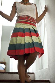 Falda en telar de cintura Yohocuaha, Oaxaca/ skirt in strap waist loom from Yohocuaha, Oaxaca  #fabricasocial, #mexicanartisans, #artesanasmexicanas, #mexicantextile, #textilmexicano