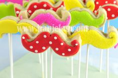 Hanielas: Mustache Cookies includes templates & icing templates