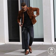 Check out @streetfashionchannel  Outfit on point by Sandro Stefanelli  #mensfashion_guide #mensguide Tag us in your pictures for a chance to get featured.   For daily fashion  @blvckxculture  @mensluxuryfashions @mensfashion_guide @mensluxury_guide  #mensfashion #mensstyle #menswear #dope #swag #swagger #street #streetstyle #menwithstyle #style #streetfashion #streetwear #ootd #fashion #outfit #awesome #menstyle #clothing #instafashion #yeezyboost #blvckfashion #blackfashion #stylish #sneakers #instastyle