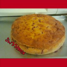 Strawberry cake fresh out the oven!