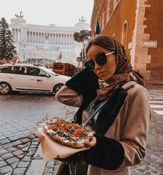 #rome #fashion #italia #italy #italianfood #italytravel #italyphotography #streetstyle #photography #italyfashion #pizza #pizzagirl #sunglasses #street #streetphotography #laurinstyle #lauren #lauismyname Pizza Girl, Rome, Street Style, Photo And Video, Videos, Instagram, Italia, Urban Style, Street Style Fashion