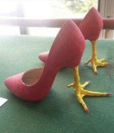 High Heel Chicken Feet - Funny Duck - Funny Duck meme - - High Heel Chicken Feet Shoes - we want these for the National Chicken Wing Festival in Buffalo NY! The post High Heel Chicken Feet appeared first on Gag Dad. Fashion Fail, Fashion Shoes, Funny Fashion, Chicken Shoes, Chicken Legs, Half Chicken, Chicken Suit, Funny Shoes, Weird Shoes