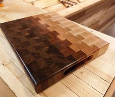 Take charge of your kitchen with a CHOPD chef-quality end grain cutting board. Each cutting board is made from individually hand selected do… – Holz – epo countertop kitchen End Grain Cutting Board, Diy Cutting Board, Wood Cutting Boards, Butcher Block Cutting Board, Butcher Blocks, Woodworking Projects Diy, Fine Woodworking, Diy Wood Projects, Woodworking Bench