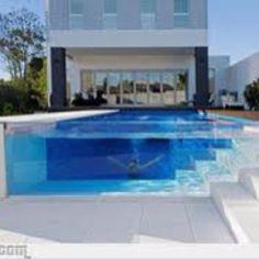 Pool with exterior in white :)