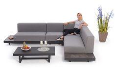 Die 5-teilige Stoff Outdoor Lounge Capri bietet optimalen Komfort, ein schönes Design und einen pflegeleichten Unterhalt. Das wetterfeste Material ist Wasser und Schmutzabweisend. Es besteht die Möglichkeit das Loungesofa bei Bedarf zu erweitern. Outdoor Sectional, Sectional Sofa, Capri, Couch, Outdoor Furniture, Outdoor Decor, Rattan, Komfort, Material