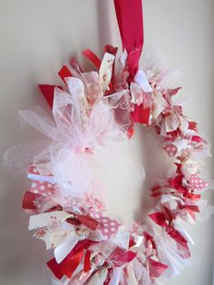 CAN MAKE ONE FOR EACH SEASON USE COLORS THAT GO WITH THE OCCASION OR SEASON   do it yourself divas: DIY: Scrap Fabric Wreath