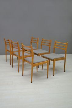 Set van 6 stoelen / Set of 6 chairs 20799