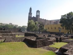 Plaza de las tres culturas - Mexico City