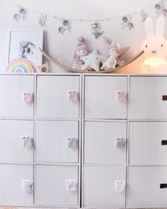 Kids storage ideas by Kids Storage, Storage Ideas, Nordic Home, Minis, Interior Decorating, Instagram, Drawer Pulls, Closets, Organization Ideas