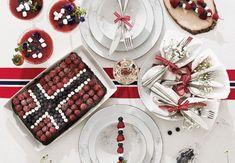 Slik får du et flott bord Norwegian Flag, Public Holidays, Mini Marshmallows, Skewers, No Bake Cake, Seasonal Decor, Popcorn, Blueberry, Berries