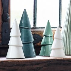 The sisters propose that you create Nordic winter landscapes in your windowsills. In shops now. Porcelain Christmas trees, prices from DKK 6,90 / SEK 9,48 / NOK 9,98 / EUR 0,97 / ISK 187 / GBP 0.88