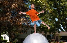 Jake Lonsway of Bay City, Michigan, USA, created the largest ball of cling film, which measured 351 cm (138 in) in circumference and weighed 127.7 kg (281 lb 8 oz), as of 14 June 2007.