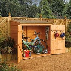 Garden Wall Storage Chest / Wooden Bike Storage Unit