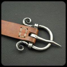 Réalisations - Accessoires - Boucle de ceinture... - Forge-Celtique.be