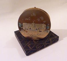 "Rare Stratton ""Corona"" BUCKINGHAM PALACE powder compact Queen Eizabeth II compacts royal compacts vintage compacts gifts"