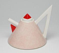 Philadelphia Museum of Art - Collections Object : 1981 Teapot from the Nefertiti Tea Service Teapot Design, Teapots Unique, Memphis Design, Tea Kettles, Tea Infuser, Teapots And Cups, Tea Service, Matcha Green Tea, Chocolate Pots