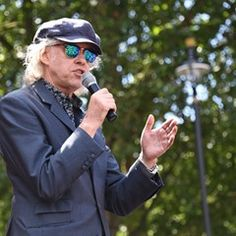 Sir Bob Geldof speaks at the Anti-Brexit protest in central London