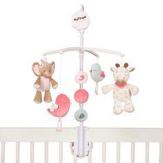 Die zwei niedlichen Freunde, Giraffe Charlotte und Elefant Rose, laden mit der Melodie La-Le-Lu zum Träumen ein. Das Musik-Mobile von Nattou lässt sich dank der praktischen Kunststoffhalterung prima an Kinderbettchen, Wiege oder auch Laufstall befestigen. Zur Melodie drehen sich die kleinen Plüsch-Figuren langsam im Kreis und helfen beim Einschlafen.