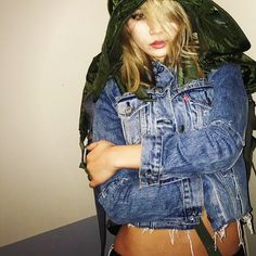 CL in IG wearing her customized  Levis jacket: chaelincl +everything is everything+