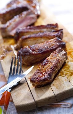 Alternate Uses for your Roaster Oven besides turkey! Try Honey Roasted Spareribs! Rib Recipes, Slow Cooker Recipes, Cooking Recipes, Cooking Tools, Crockpot Recipes, Dinner Recipes, Electric Roasting Pan, Electric Roaster Ovens, Electric Oven