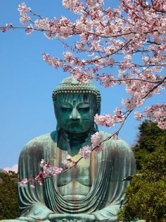 The Great Buddha at Kamakura, Japan, as recommended by LJ Blake. https://www.pinterest.com/FLDesignerGuide/honeymoons-to-asia/