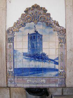 Painel de Azulejos: Torre das Cabaças, Santarém - Santarém | Flickr – Compartilhamento de fotos! Delft Tiles, Mosaic Tiles, Tile Murals, Tile Art, Tile Panels, Portuguese Tiles, Places Of Interest, Creations, Blue And White