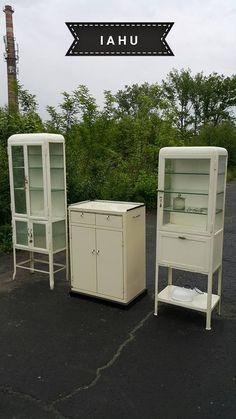 2 vintage metal medical cabinets with many vintage medical instruments ebay - Decoration cabinet medical ...