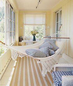 Mulle myös riippumatto kuistille... / I also want a hammock on my porch...