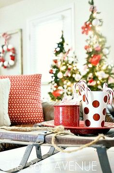 Christmas Decor Entryway… Loving the aqua and red accents! #home #decor #christmas