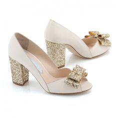 Zapatos de Novia Peep Toe con tacón block modelo Becky Gold de Charlotte Mills ➡️ #LosZapatosdetuBoda #Boda