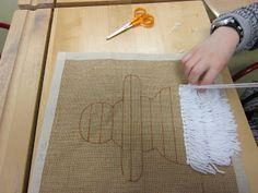 Kaarisillan käsityö: 2-luokka Art For Kids, Crafts For Kids, Arts And Crafts, Diy Crafts, Rya Rug, 2nd Grade Art, Sewing Lessons, Textile Fabrics, Winter Art