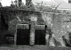 Old Police Cells Museum -- Marshalsea Prison, London (Photo:The remains of the Marshalsea Prison in Borough, south London) Political Prisoners, Prisoners Of War, London Pictures, London Photos, South London, Old London, Victorian Prison, Bermondsey London, Abandoned Prisons