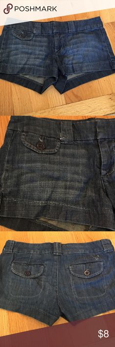 American Eagle denim shorts 💗99% cotton and 1% spandex good condition, small little strings on front as seen in photo can be cut American Eagle Outfitters Shorts Jean Shorts