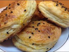 Katmer Poğaça Tarifi -Hamur İşleri - YouTube Breakfast Items, Bagel, Tart, Turkey, Food And Drink, Bread, Youtube, Turkish Recipes, Pie