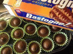 Malteser cake maar dan met bastogne koek of kandij koek inplaats van biscuit (koek fijn gemalen en niet gebroken of verkruimeld