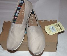TOMS Women's Classic Light Grey Canvas Shoes Size 8.5 $47.95 #TOMS #LoafersMoccasins #CasualFootwear