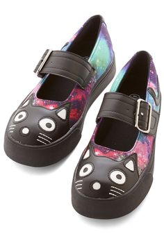 Kitty Leader Flat. You love to mix things up every meow and then, so youre setting a stellar trend in these galaxy-printed flatforms! #black #modcloth
