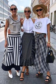 Inspiration Image Only Women's Summer Fashion, Fashion Week, Fashion 2020, Skirt Fashion, Fashion Looks, Fashion Outfits, Womens Fashion, Fashion Moda, Paris Chic