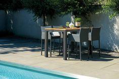 De SUNS barstoel Antas is een heerlijk relax stoel. De hoge kwaliteit materialen die voor deze barstoel zijn gebruikt zorgen ervoor je zeer comfortabel zit. De barstoel Antas wordt geleverd met zitkussen, voor nog meer zitcomfort!