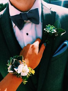 Prom succulent corsage and boutonniere - Daily Good Pin Homecoming Pictures, Prom Photos, Prom Pics, Succulent Corsage, Succulent Boutonniere, Prom Picture Poses, Picture Ideas, Prom Couples, Prom Pictures Couples