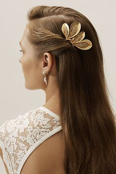 Wedding Hair Accessories Ben-Amun Ben Amun Rania Hair Comb - Description Gold fronds are accented with clusters of Swarovski crystals on this glam, botanical-inspired hair comb. By Ben-Amun Style Bride Hairstyles, Headband Hairstyles, Thin Hairstyles, Hairstyles 2016, Casual Hairstyles, Gold Hair Accessories, Shiny Hair, Hair Jewelry, Jewellery