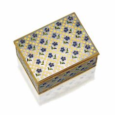 Gold, enamel and mother-of-pearl snuff box with French gold mounts, <P>French, mid 18th century </P> | lot | Sotheby's