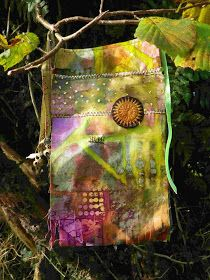 The Prayer Flag Project: Snug, cozy and energetic Fabric Art, Fabric Crafts, Fabric Painting, Hobbit, Peace Flag, Fabric Postcards, Prayer Flags, Museum, Small Quilts