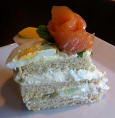 Kakebua's blogg: Smørbrødkake Sushi, Cheese, Cake, Ethnic Recipes, Desserts, Tailgate Desserts, Deserts, Food Cakes, Cakes