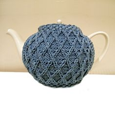 Df8_tea_cosy_plain_lattice_version_small2