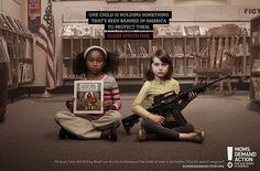 Anúncios poderosos (40) Uma criança está segurando algo que foi proibido nos Estados Unidos para protegê-los. Adivinha qual?