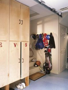 Lockers/Cabinets in Garage?