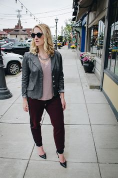 [ON SALE - $48] My favorite pair of joggers for women! Wear them dressed up or down. // #affiliatelink #outfitoftheday #outfitideas #joggerstyle #wearitloveit #bloggerlife #stylecollective