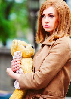 Karen Gillan and a teddy bear. Lucky bear!!!